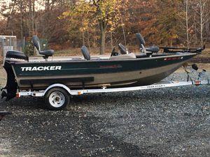 2002 Tracker pro deepv16 50hp Mercury for Sale in Rising Sun, MD