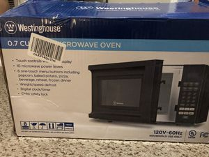 Westinghouse 0.7 Cubic Ft Microwave for Sale in Bentonville, AR