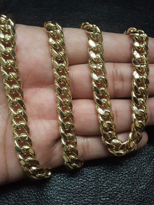 "14k Miami cuban link chain Italian gold 26"" long for Sale in Pomona, CA"
