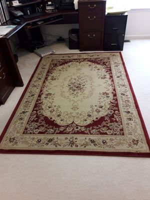 5 by 7 rug $10 for Sale in Chalfont, PA