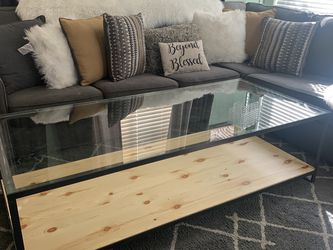 Large Coffee Table Like New for Sale in Henderson,  NV