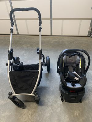 Britax B-safe ultra car seat, base, and stroller for Sale in Charlottesville, VA
