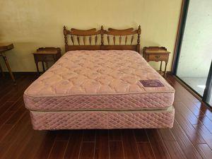 Solid Wood Queen Bedroom Set Complete!! for Sale in Melbourne, FL