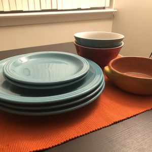 Set of 5 plates and 3 bowls for Sale in Arlington, VA