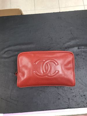 Coco Chanel Makeup Bag in Great Condition. 9x5x4 for Sale in Hollywood, FL