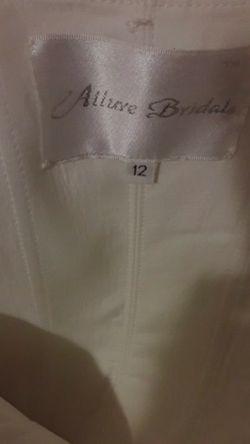 Brand new, never worn, Size 12 Allure Bridals Wedding dress for Sale in East Wenatchee,  WA