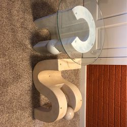 2 End Tables And Coffee Table for Sale in Aurora,  OH