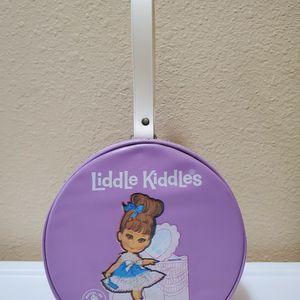 Vintage 1967 Little Kiddles Mattel Vinyl Carrying Case / Mini Purse for Sale in Newberry Springs, CA