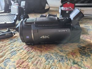 Sony fdr-ax53 handycam for Sale in Fresno, CA