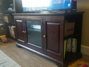Tv console table for Sale in Whittier, CA