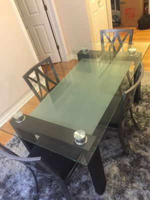 Contemporary Table with 4 Chairs for Sale in Chicago, IL