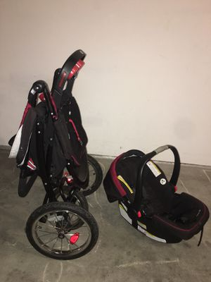 Graco stroller, baby car seat and base and walker for Sale in Evansville, WI