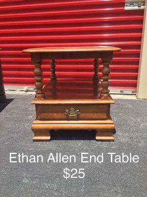 Vintage Ethan Allen End Table for Sale in Tampa, FL