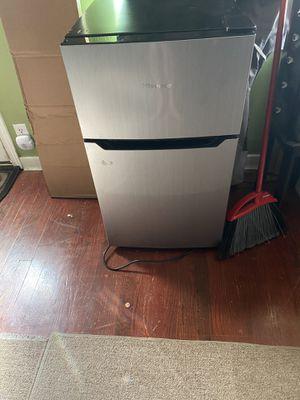 Mini fridge/freezer for Sale in Seattle, WA