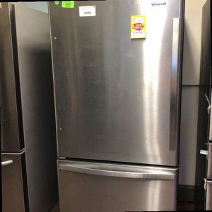 Whirlpool Refrigerator 0941K for Sale in Mesquite, TX