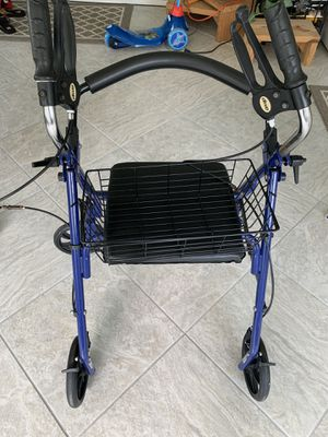 Four Wheel Walker Rollator with Fold Up Removable Back Support for Sale in Clermont, FL
