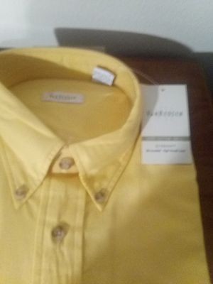 Nwt Van Heusen dress shirts for Sale in Bluewell, WV