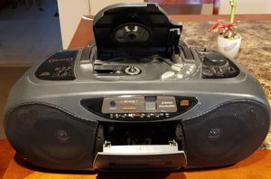 Magnavox CD, Cassette Player/Recorder, AM/FM radio for Sale in Chicago, IL