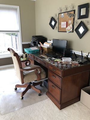 Office Desk & Chair for Sale in Forest Hill, MD