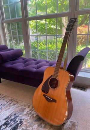 Yamaha FG Series Acoustic Guitar Left Handed for Sale in Clarksville, MD