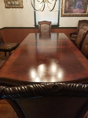 Extendable Carving Dining Table for 8 for Sale in Falls Church, VA