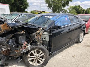 hyundai sonata 2013 • for parts for Sale in Gibsonton, FL
