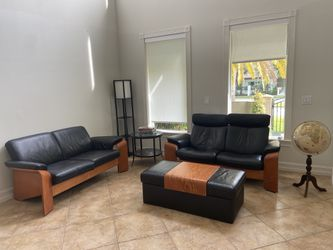 Living room leather set with solid wood for Sale in Miami,  FL