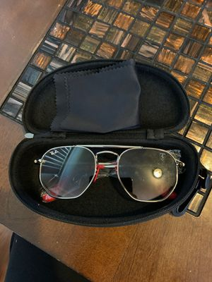 Sunglasses unisex w/ box and cloth for Sale in Dearborn, MI