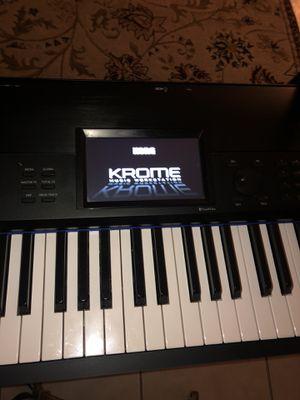 Korg Krome keyboard 88 key with case for Sale in Apopka, FL