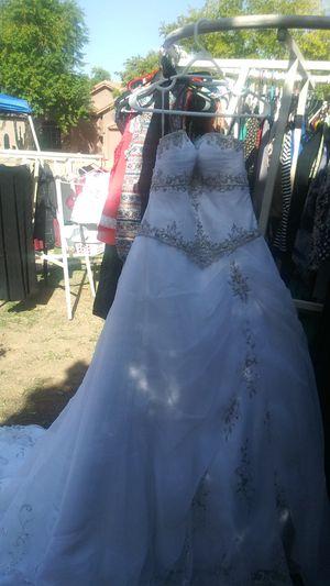 Wedding dress for Sale in Glendale, AZ