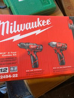 Cordless Milwaukee 2494-22 M12 12-V Drill Driver/Impact Driver Combo Kit new for Sale in Brooklyn,  NY