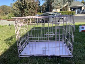 Pink dog kennel small-medium dogs for Sale in Fairfield, CA