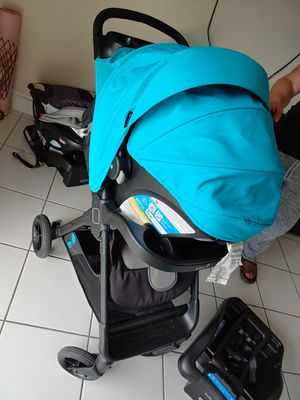 Safety first car seat and stroller for Sale in Miami, FL