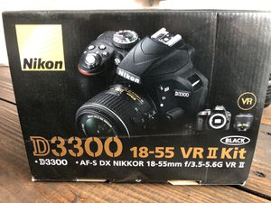 Nikon D3300 with kit lens for Sale in Smithfield, NC