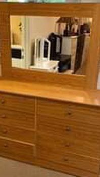 New Compressed 8 drawer dresser With Mirror for Sale in Gardena,  CA