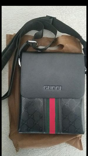 Gucci messenger bag for Sale in Lone Tree, CO