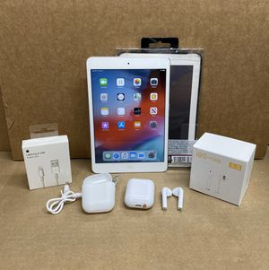 16GB Apple Ipad Mini 2 White w/extras for Sale in Reading, PA