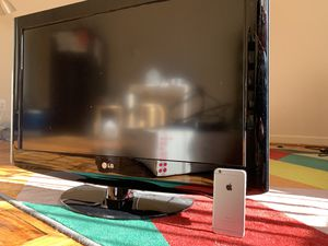 TV LCD 32' diagonal LG with Box & cable for Sale in Washington, DC