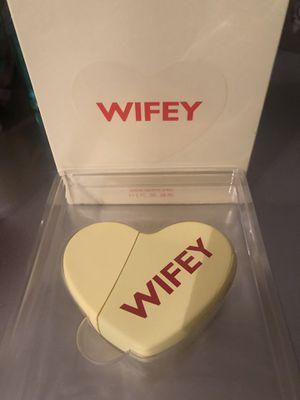 KKW Fragrance: Kimoji Hearts: Wifey for Sale in New York, NY