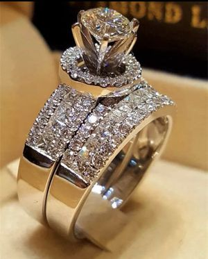 Beautiful women ring silver color, copper for Sale in Schaumburg, IL