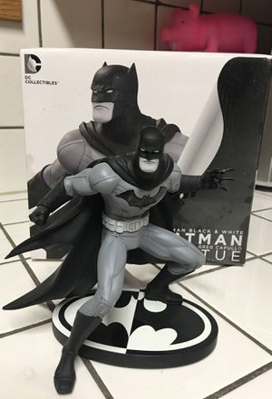 DC Batman black and white Greg Capullo statue for Sale in Winston-Salem, NC