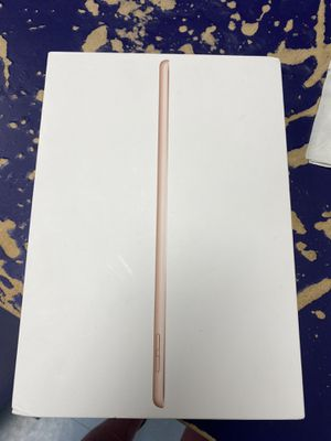 iPad 7th generation Wi-Fi + Cellular 32gb gold for Sale in Baltimore, MD
