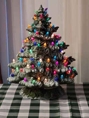 Vintage Ceramic Christmas tree for Sale in Bartow, FL
