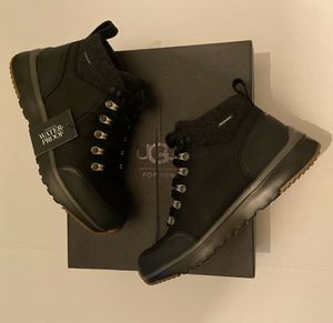 UGG Men's Olivert Waterproof Hiking Snow Boot Black Size 7 M $190 for Sale in Los Angeles, CA