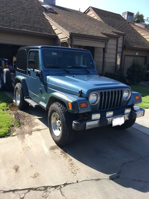Jeep Wrangler 4.0 6 cylinder 4x4 for Sale in Turlock, CA