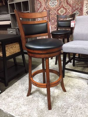29 inch Swivel Bar Stool , Brown for Sale in Norwalk, CA