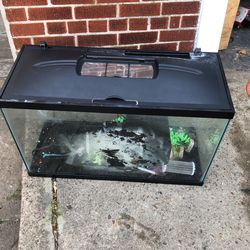 Fish Tank Glass  30 Inches W   19 Inches  Long  1 Feet Deep  for Sale in Brooklyn, NY