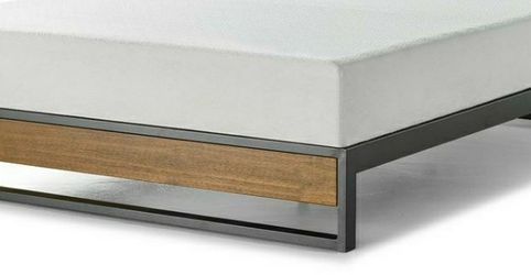 Zinus GOOD DESIGN Winner Suzanne Brown Queen 10 in. Metal and Wood Platforma Bed Frame for Sale in West Covina,  CA
