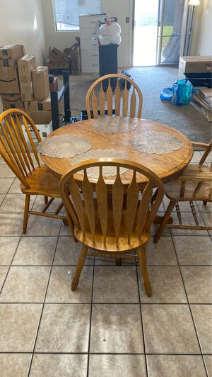 Kitchen table and 4 chairs for Sale in Avondale, AZ