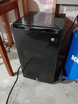 GE Mini Fridge for Sale in Bonney Lake, WA